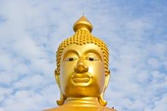 χρυσό επικεφαλής άγαλμα του Βούδα Στοκ Εικόνες