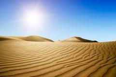 χρυσό ηλιοβασίλεμα ερήμων στοκ φωτογραφίες με δικαίωμα ελεύθερης χρήσης