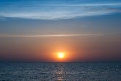 χρυσό ηλιοβασίλεμα παρα& Στοκ φωτογραφίες με δικαίωμα ελεύθερης χρήσης