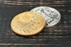 Χρυσό και ασημένιο νόμισμα bitcoin Στοκ Φωτογραφία