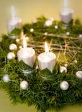Χρυσό και ασημένιο στεφάνι Χριστουγέννων Στοκ φωτογραφία με δικαίωμα ελεύθερης χρήσης