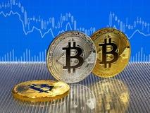 Χρυσό και ασημένιο bitcoin στο μπλε αφηρημένο υπόβαθρο χρηματοδότησης Cryptocurrency Bitcoin Στοκ εικόνα με δικαίωμα ελεύθερης χρήσης
