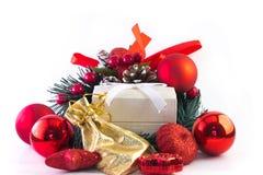 Χρυσό κιβώτιο τσαντών και δώρων Στοκ Εικόνες