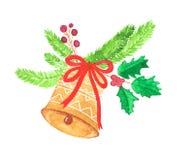 Χρυσό κουδούνι Χριστουγέννων με την κόκκινη κορδέλλα και τους πράσινους κλάδους κωνοφόρων διανυσματική απεικόνιση