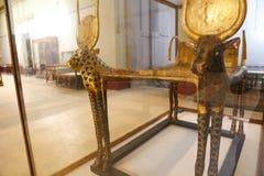 Χρυσό κρεβάτι του τεντωμένου θησαυρού Ankh Amon - αιγυπτιακό μουσείο Στοκ Εικόνες