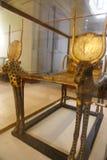 Χρυσό κρεβάτι του τεντωμένου θησαυρού Ankh Amon - αιγυπτιακό μουσείο Στοκ φωτογραφίες με δικαίωμα ελεύθερης χρήσης