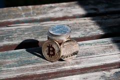 Χρυσό κόκκινο νόμισμα bitcoin Στοκ εικόνες με δικαίωμα ελεύθερης χρήσης