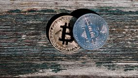 Χρυσό κόκκινο νόμισμα bitcoin Στοκ εικόνα με δικαίωμα ελεύθερης χρήσης
