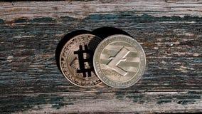 Χρυσό κόκκινο νόμισμα bitcoin Στοκ φωτογραφίες με δικαίωμα ελεύθερης χρήσης