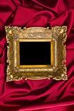 χρυσό κόκκινο σατέν πλαισίων Στοκ Φωτογραφία