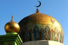 χρυσό μουσουλμανικό τέμενος Στοκ Εικόνες