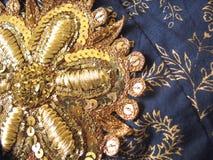 Χρυσό μπάλωμα κεντητικής λουλουδιών Στοκ Εικόνες