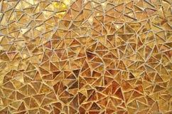 Χρυσό μωσαϊκό τριγώνων Στοκ φωτογραφία με δικαίωμα ελεύθερης χρήσης