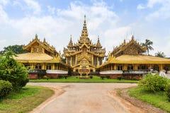 Χρυσό παλάτι Kambawzathardi σε Bago, το Μιανμάρ Στοκ Φωτογραφίες