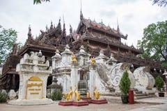 Χρυσό παλάτι monastary Myanmar Στοκ εικόνα με δικαίωμα ελεύθερης χρήσης