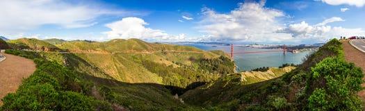 Χρυσό πανόραμα γεφυρών πυλών του Σαν Φρανσίσκο στοκ φωτογραφίες με δικαίωμα ελεύθερης χρήσης