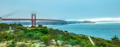 Χρυσό πανόραμα γεφυρών πυλών στοκ φωτογραφία