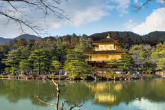 Χρυσό περίπτερο (ναός Kinkakuji) στοκ φωτογραφία με δικαίωμα ελεύθερης χρήσης