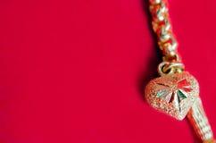 Χρυσό περιδέραιο 96 ταϊλανδικός χρυσός βαθμός 5 τοις εκατό με το χρυσό penda καρδιών Στοκ Εικόνες