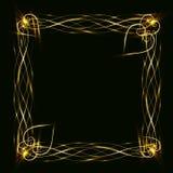 Χρυσό πλαίσιο με τις καρδιές σε ένα μαύρο υπόβαθρο Στοκ εικόνα με δικαίωμα ελεύθερης χρήσης