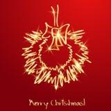 Χρυσό στεφάνι Χριστουγέννων σε μια κόκκινη ανασκόπηση Στοκ φωτογραφίες με δικαίωμα ελεύθερης χρήσης