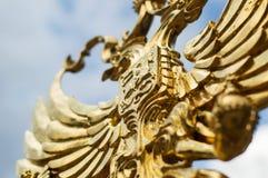 Χρυσό σύμβολο αετών του εμβλήματος της Ρωσίας Στοκ φωτογραφίες με δικαίωμα ελεύθερης χρήσης