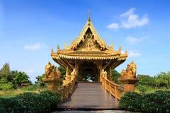 Χρυσό ταϊλανδικό περίπτερο Στοκ εικόνα με δικαίωμα ελεύθερης χρήσης