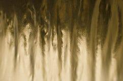 Χρυσό υπόβαθρο φύλλων αλουμινίου Στοκ εικόνες με δικαίωμα ελεύθερης χρήσης