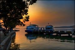 Χρυσό φως πέρα από το λιμάνι στοκ φωτογραφίες με δικαίωμα ελεύθερης χρήσης