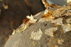 Χρυσό φύλλο αλουμινίου Loknimit συνημμένο Στοκ Φωτογραφίες