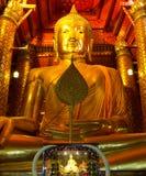Χρυσό χρώμα Wat Phananchoeng αγαλμάτων του Βούδα γλυπτών στοκ φωτογραφία με δικαίωμα ελεύθερης χρήσης