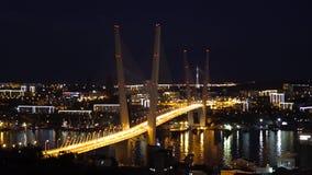 Χρυσό Bredge στη νύχτα Βλαδιβοστόκ απόθεμα βίντεο
