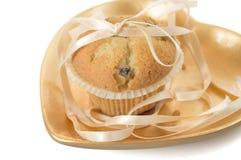 χρυσό muffin πιάτο Στοκ φωτογραφία με δικαίωμα ελεύθερης χρήσης