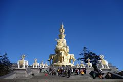 Χρυσό Puxian Βούδας στην ΑΜ Emei Στοκ Εικόνες