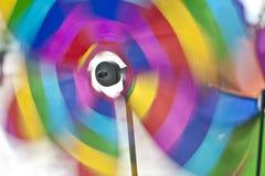 χρωματίζει pinwheel την περιστρο Στοκ φωτογραφία με δικαίωμα ελεύθερης χρήσης