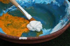 χρωματίζοντας δοχείο Στοκ φωτογραφία με δικαίωμα ελεύθερης χρήσης