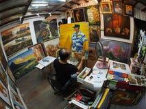 Χρωματίζοντας καλλιτέχνης Στοκ εικόνες με δικαίωμα ελεύθερης χρήσης
