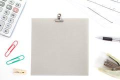Χρωματισμένα έγγραφα με τη βάση και τα χαρτικά Στοκ εικόνα με δικαίωμα ελεύθερης χρήσης
