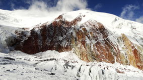 χρωματισμένα βουνά κόκκινο λευκό Pamir Στοκ φωτογραφία με δικαίωμα ελεύθερης χρήσης