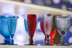 Χρωματισμένα εκλεκτής ποιότητας Goblets στοκ εικόνα