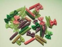 Χρωματισμένα ζυμαρικά που χρωματίζονται στη διαφορετική βούρτσα χρώματος στοκ εικόνες με δικαίωμα ελεύθερης χρήσης
