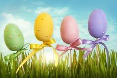 Χρωματισμένα κρητιδογραφία αυγά Πάσχας Στοκ φωτογραφίες με δικαίωμα ελεύθερης χρήσης