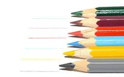 Χρωματισμένα μολύβια και ίχνη τους στοκ φωτογραφία με δικαίωμα ελεύθερης χρήσης