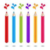 Χρωματισμένα μολύβια με τους λεκέδες χρώματος σε ένα άσπρο υπόβαθρο διανυσματική απεικόνιση