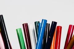 χρωματισμένα μολύβια στην άσπρη ανασκόπηση Στοκ φωτογραφίες με δικαίωμα ελεύθερης χρήσης