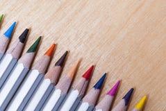 Χρωματισμένα μολύβια στον πίνακα Στοκ φωτογραφίες με δικαίωμα ελεύθερης χρήσης