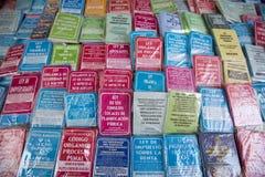 Χρωματισμένα παλαιά βιβλία σε παλαιό αποικιακό bolívar Ciudad, Βενεζουέλα Στοκ Εικόνες