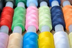 χρωματισμένα πολυ νήματα Στοκ φωτογραφία με δικαίωμα ελεύθερης χρήσης