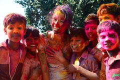 Χρωματισμένα πρόσωπα κατά τη διάρκεια του εορτασμού Holi Jaipur Rajasthan Ινδία Στοκ Εικόνες