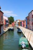 Χρωματισμένα σπίτια Burano, Βενετία Στοκ Εικόνα